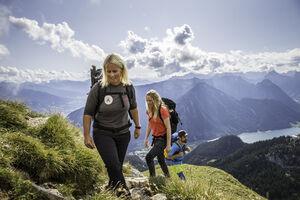 MIT EXPERTEN AUF TOUR - Die neue INFINITE HIKE Kollektion für ambitioniertes Wandern