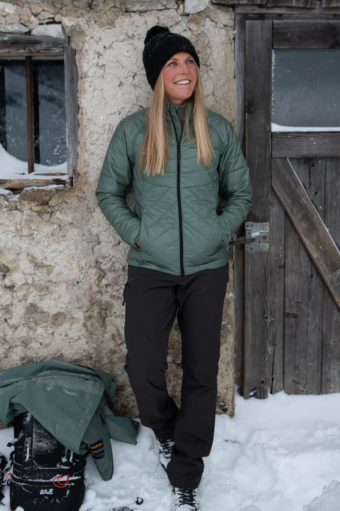 Mood image SNOW HIKING OUTFIT WOMEN