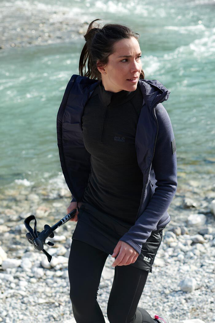 Mood image ACTIVE OUTFIT WOMEN
