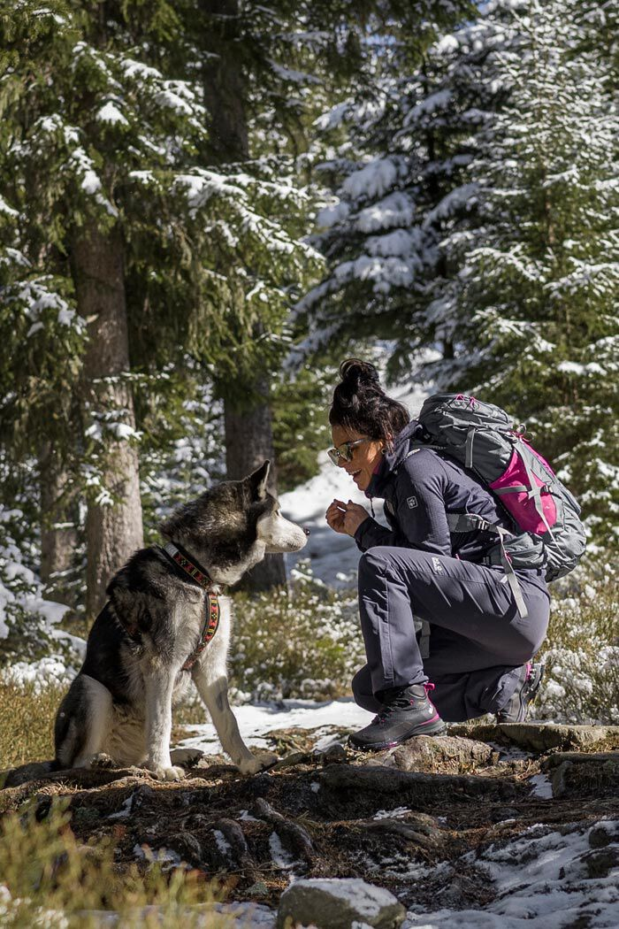 Mood image INFINITE HIKE OUTFIT WOMEN