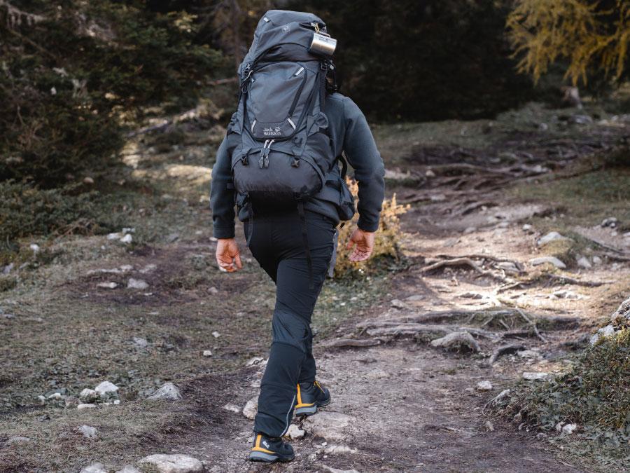Bergschuhe in Verwendung am Gipfel